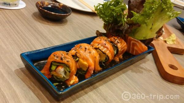 Salmon Salad-Maki คือ-เนื้อแซลมอนม้วนกับผักสลัด