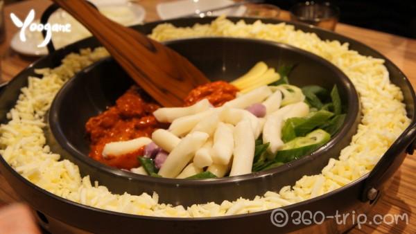 ยูกาเน-ไก่ผัดซอสคาลบี้