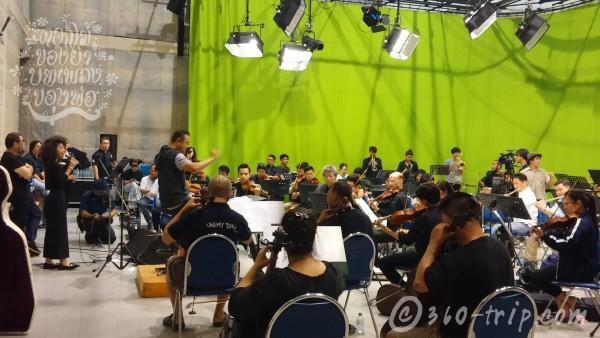 flower-music-rehearsal